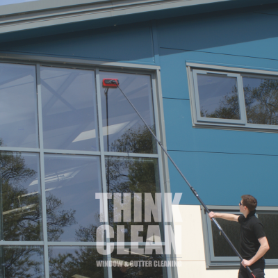 commercial_window_cleaning_in_slough_image1